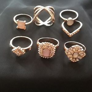 Goldtone 7 Costume rings